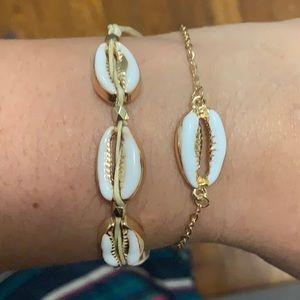 Set of shell bracelets